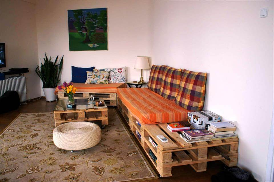 Pallet Sofa and Coffee Table for Living room | 99 Pallets on Pallet Room  id=16072