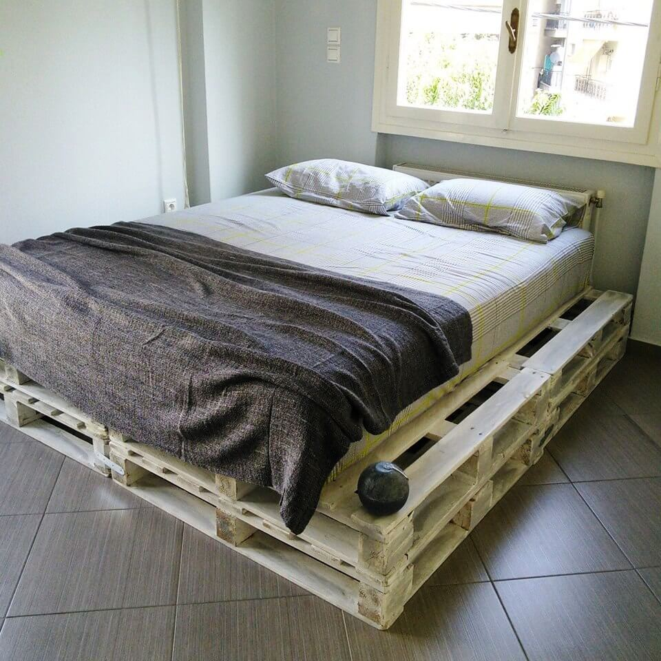 20 Pallet Ideas You Can DIY for Your Home | 99 Pallets on Bedroom Pallet Ideas  id=69843