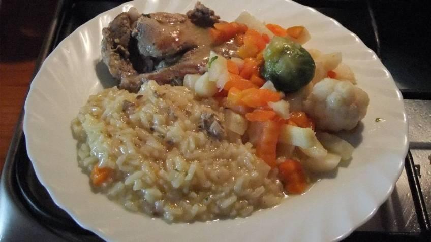 Svinjska vratina s rizom i povrcem (1)