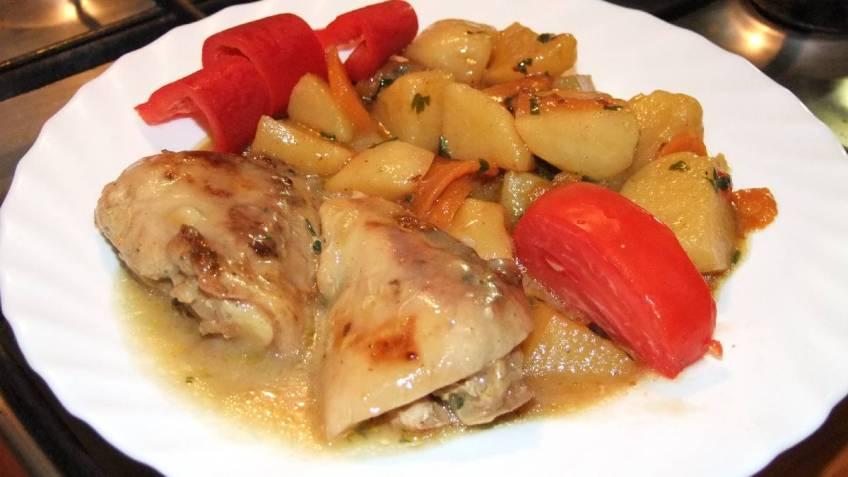 Pileci karabatak u povrcu s preljevom od gljiva - gotovo jelo