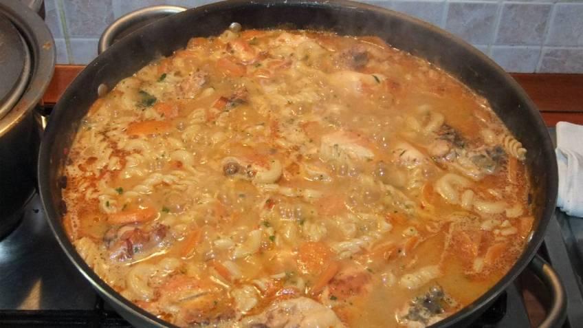 Pileci paprikas s tjesteninom - tijekom pripreme