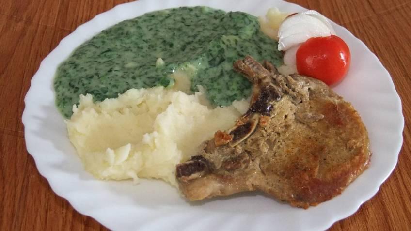 Peceni svinjski kare sa spinatom - gotovo jelo