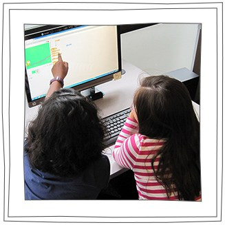 Hour-of-Code-Two-Girls-teamwork