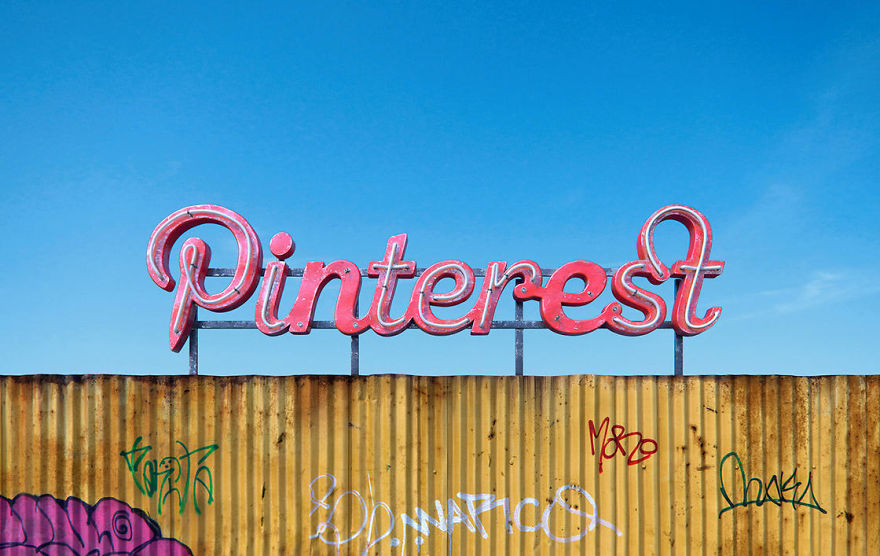 The-Decay-Of-famous-Social-Media-Companies-9Mood-5