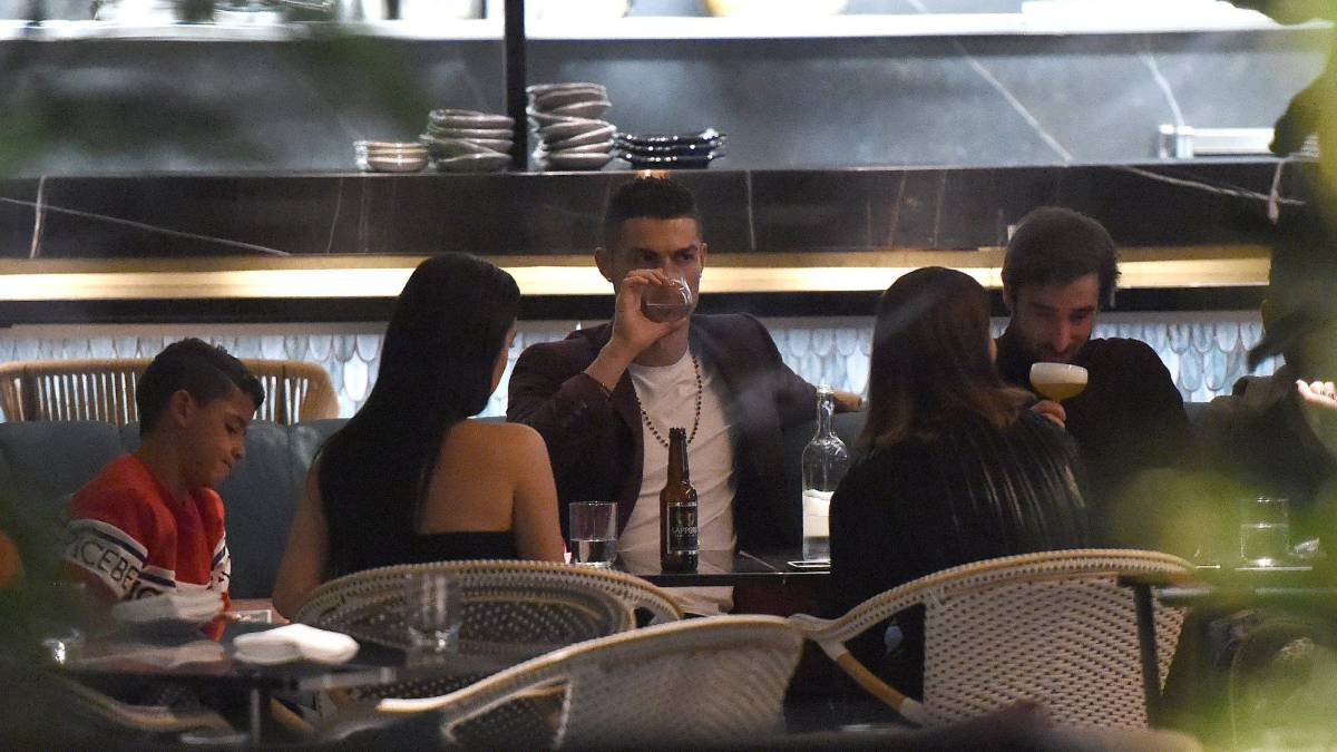 Ronaldo and Georgina drop €31,000 on wine in 15 minutes in London