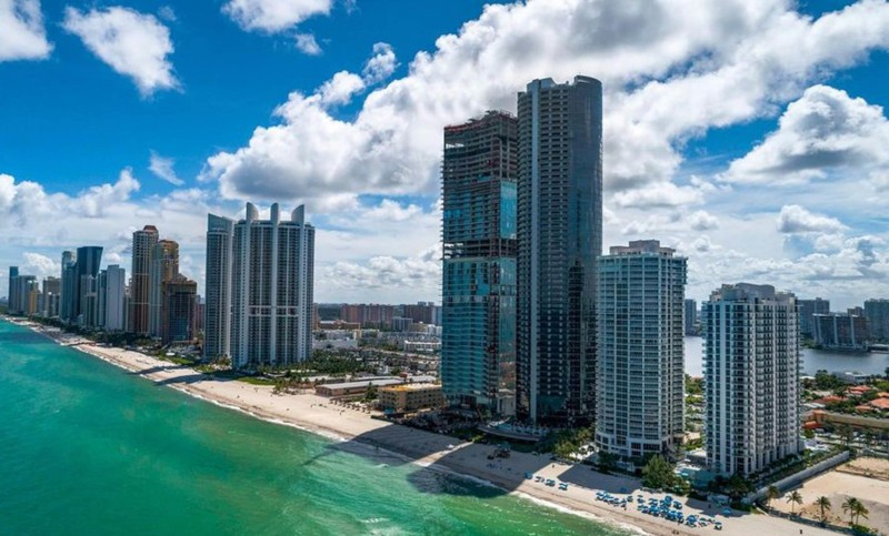 Messi bought an apartment at the Porsche Design Tower in Miami for $5m