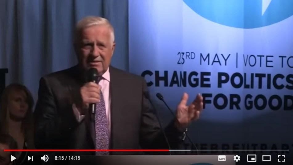 Video: Skvělý projev Václava Klause na předvolebním mítinku strany Brexit, velkého favorita voleb. Bouřlivé ovace.