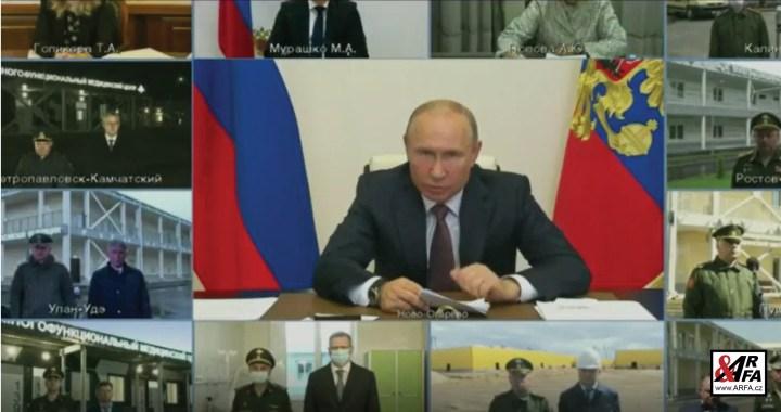 """Putin naštvaný jako nikdy: """"Řekl jsem koronavirus, ne zlomená noha!"""" Zkoprnělí gubernátoři v ruské televizi málem plakali. Kam zmizelo 22 miliard, určených na COVID-19?"""