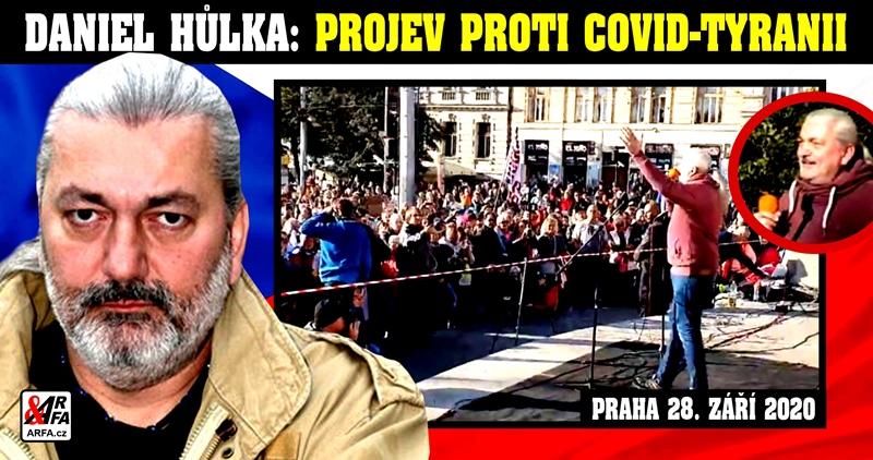 """""""Plukovník SMRT Prymula!"""" Daniel Hůlka se s tím nepáře: """"Chce nám vzít naše děti a dát je očkovat! Chce totalitu!"""" """"Až sundáme roušky, všichni umřeme!"""" Mrazivý projev slavného zpěváka na demonstraci proti covid-tyranii"""