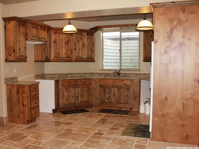 Extra kitchenette in Highland Home for Sale