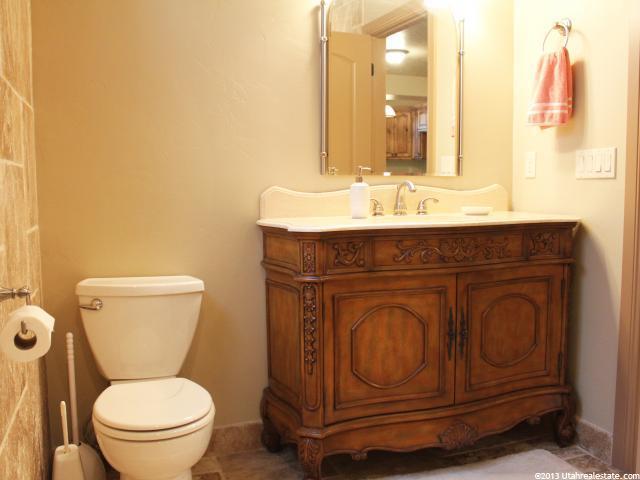 Exquisite detail in bathroom