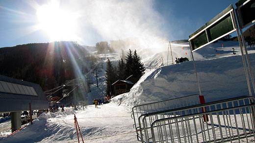 Snowboaring Vail