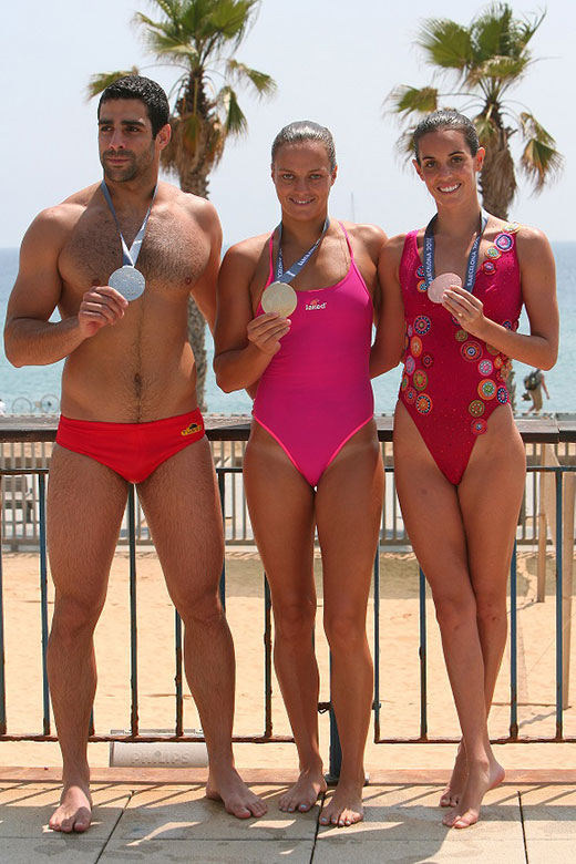 Speedo Hunk with Girls