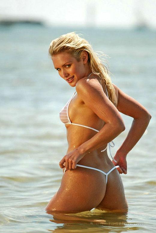 Nicky Whelan Bikini