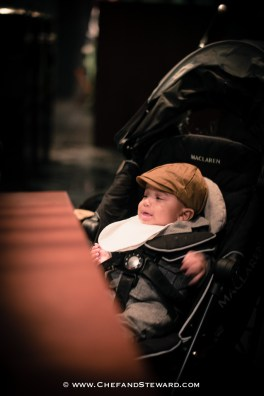 How to get your baby or toddelr to behave in a restaurant -14
