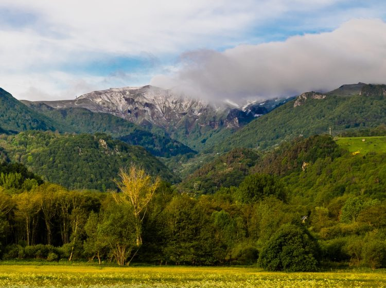 Cool Things To Do In Auvergne This Summer Deep Heart Of France - 8 things to see and do in southern france