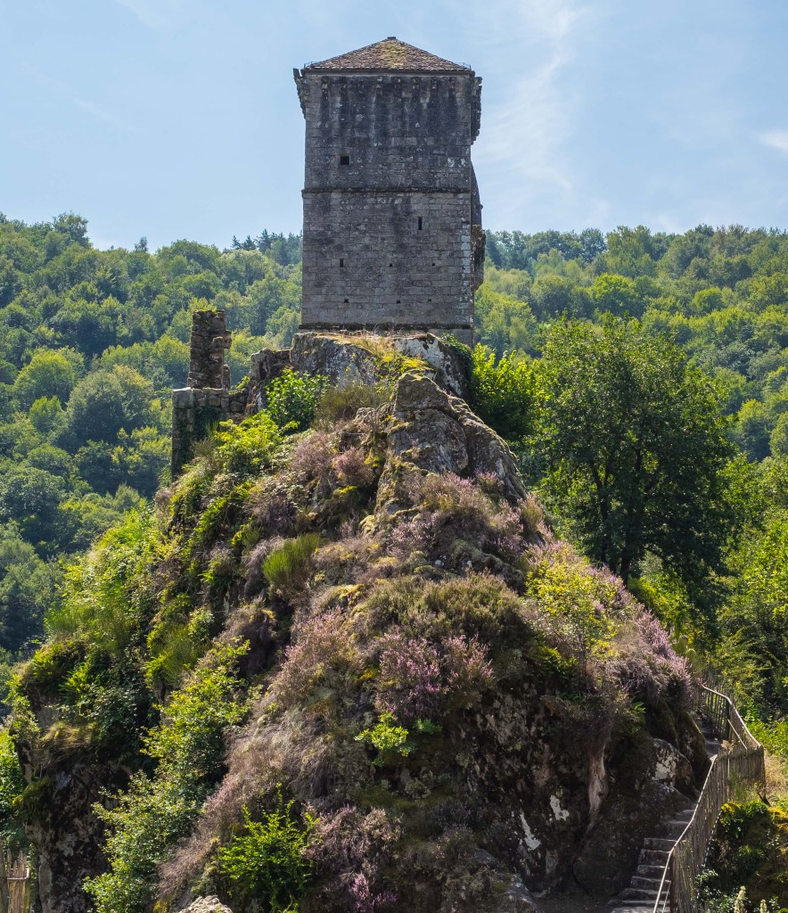 Tours de Merle Correze Medieval Castle Chateaux Castrum