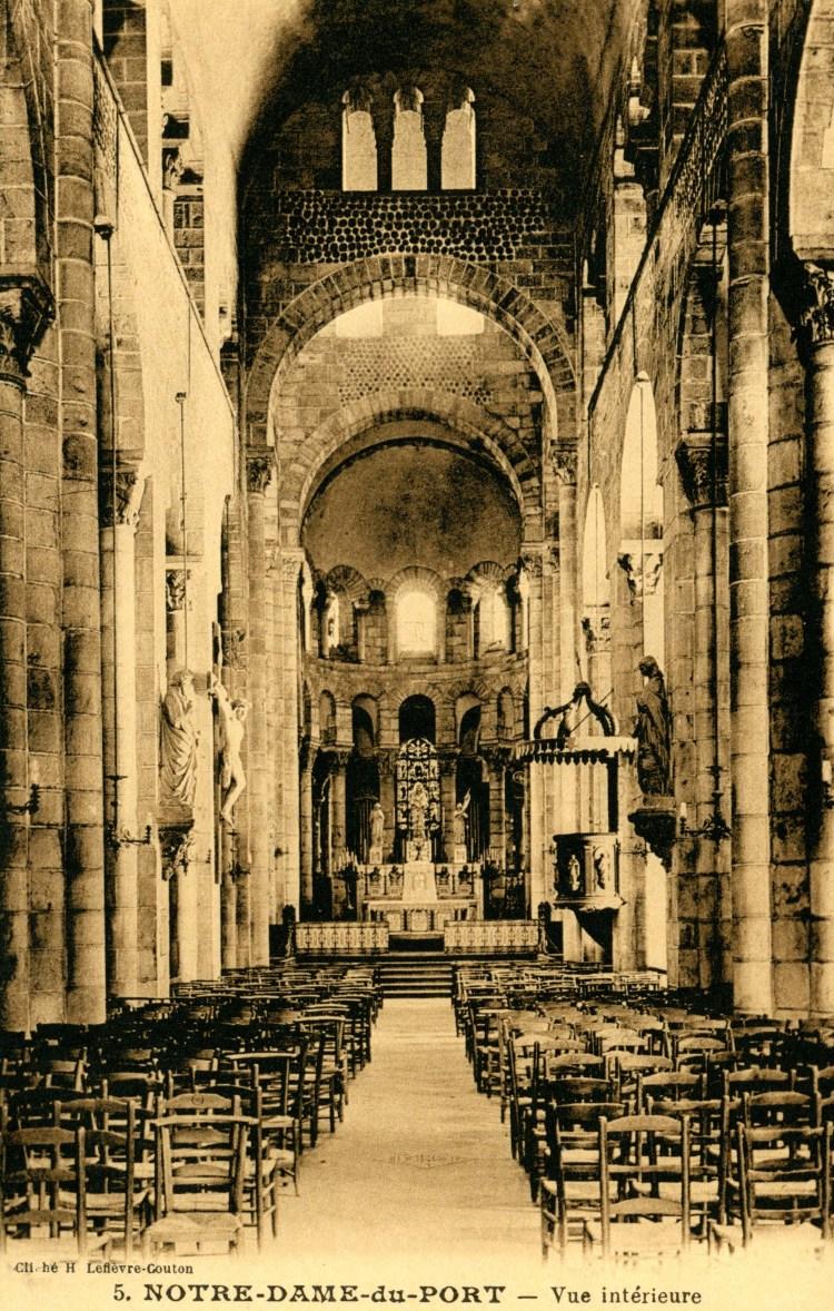 Notre Dame du Port Auvergene Romanesque Medieval France Clermont-Ferrand Crusades