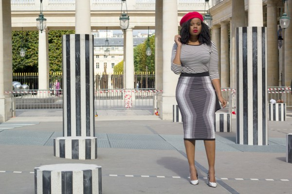 Black and white outfit in Paris