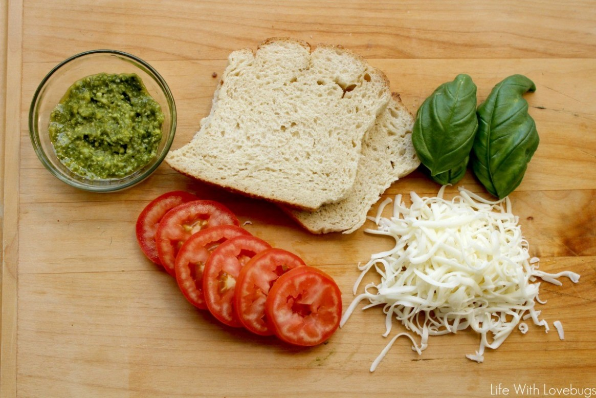 Easy Pesto Pizza Toast Life With Lovebugs