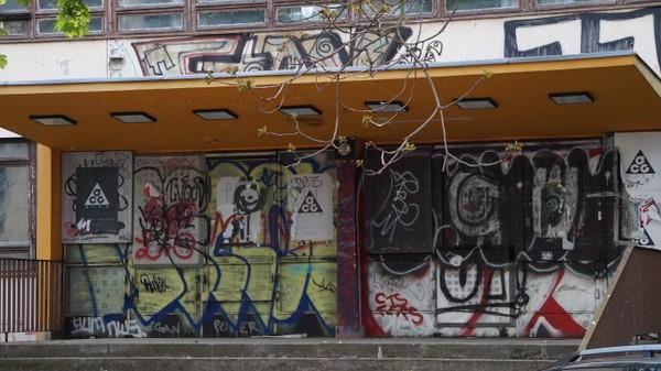 Die Schulruine in der Adalbertstraße soll zweites Leben erhalten