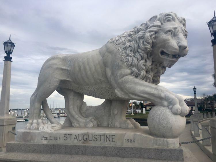 Lion statue on Ponce de Leon Bridge