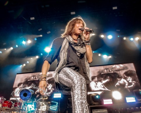 Jeff Keith of Tesla. Photo by Sean Derrick/Thyrd Eye Photography