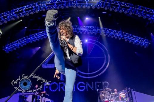 Kelly Hansen of Foreigner performing in Saint Louis. Pic by Sean Derrick/Thyrd Eye Photography