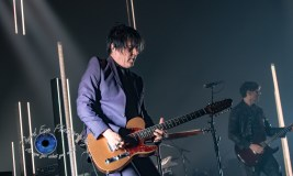 Troy Van Leeuwen of Queens of the Stone Age performing at Peabody Opera House in Saint Louis. Photo by Sean Derrick/Thyrd Eye Photography.