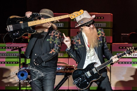 ZZ Top perform at the KSHE 95 50th Birthday Party at Hollywood Casino Amphitheatre in Saint Louis Saturday. Photo by Sean Derrick/Thyrd Eye Photography.