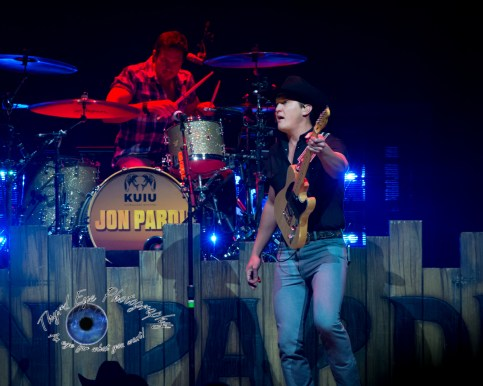 Jon Pardi performing at Scottrade Center in Saint Louis Friday. Photo by Sean Derrick/Thyrd Eye Photography.