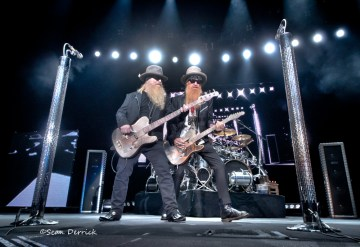 ZZ Top performing in Saint Louis. Photo by Sean Derrick/Thyrd Eye Photography.
