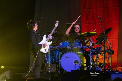 Jeff Back performing at Hollywood Casino Amphitheatre Saturday. Photo by Keith Brake Photography.