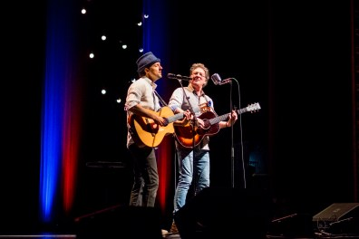 Jason Mraz performs at Stifel Theatre in Saint Louis. Photo by Ryan Ledesma Photography.