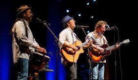 Jason Mraz performs at Stifel Theatre in Saint Louis. Photo by Ryan Ledesma Photography.