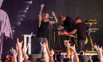 Underoath performing at Hollywood Casino Amphitheatre in Saint Louis. Photo by Sean Derrick/Thyrd Eye Photography.