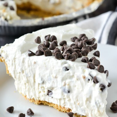 No-Bake Cannoli Cream Pie