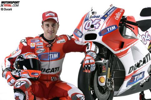 Andrea Dovizioso wurde am 23. März 1986 in Italien geboren. Obwohl er zwischen 2008 und 2014 nur ein MotoGP-Rennen gewinnen kann, zählt er zu den Besten, hat aber nicht immer das beste Material zur Verfügung. Seine bisherige Karriere ist geprägt von Kampf und hartem Willen.