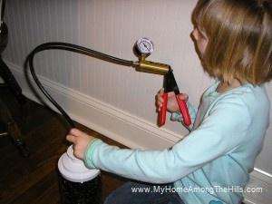 Vacuum sealing a jar with a brake bleeder