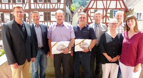 Mosbach ehrt Schulhausmeister zum Dienstjubiläum