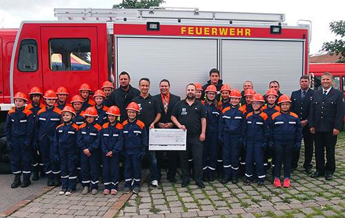 500 Spendenuebergabe Jugendfeuerwehr Waldbrunn