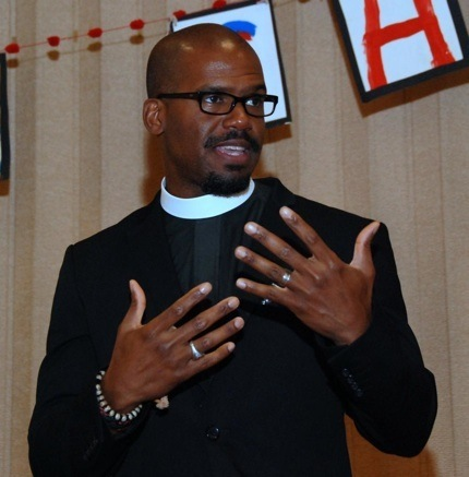 NSL_113_Grace Welcomes New Rector