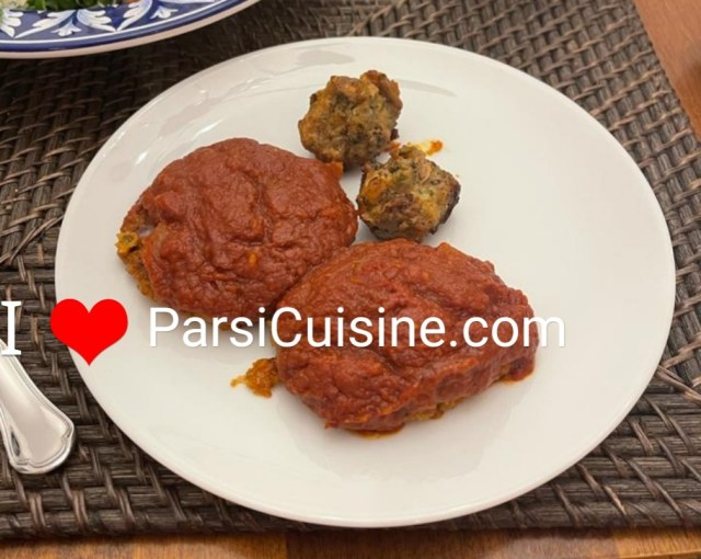 Cutlets with tomato gravy