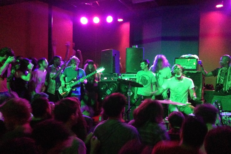 [Show Review] Lightning Bolt Bring Crowd on Stage at Kings
