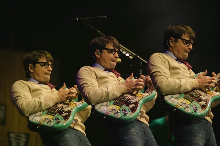 Live Review: Weezer Tie in the Old and New in Charlotte