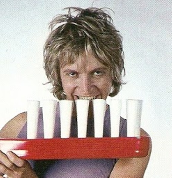 Andy Summers stares into your soul