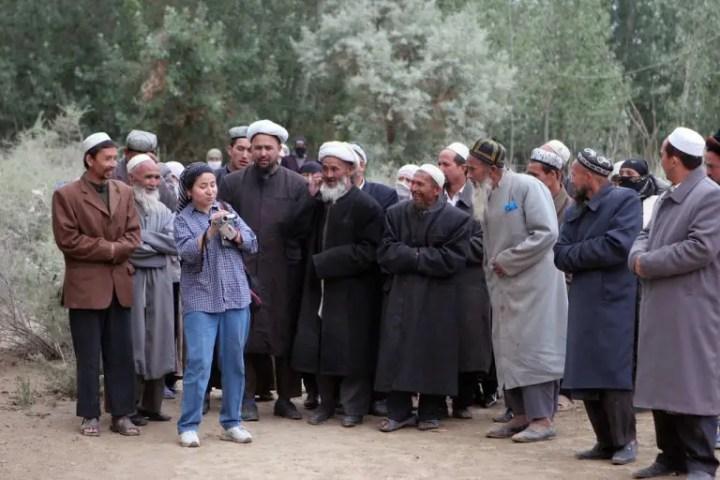 Uygur Türklerinin özgün kıyafet resimleri ile ilgili görsel sonucu