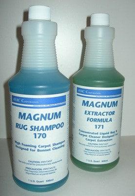 MagNuM Foaming RUG SHAMPOO - Quart