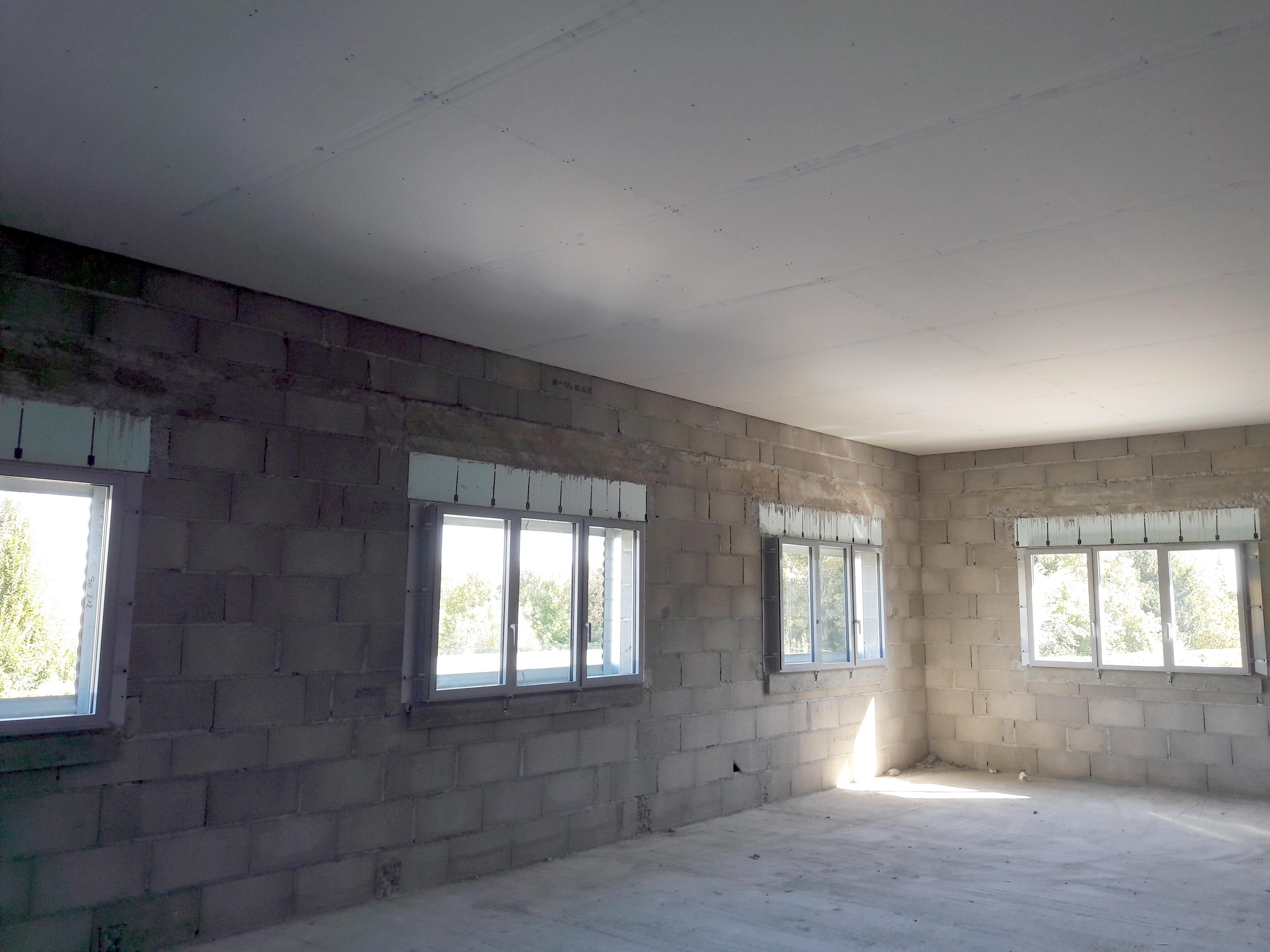 Plafond plaques de pl tre aba i am nagements bureaux et - Plafond aide a la complementaire ...