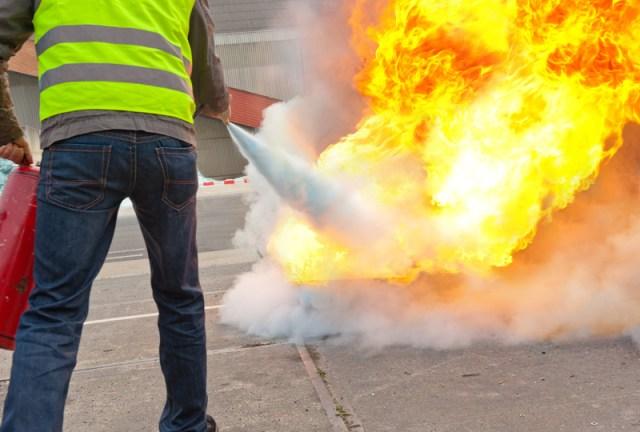 protection-maison-feu-conseils-reagir-eteindre